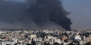 İsrail Ordusu, Gazze'de iki noktayı tanklarla vurdu
