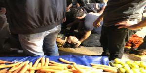 Emekli polis, mandalina için 2 pazarcıyı vurdu!