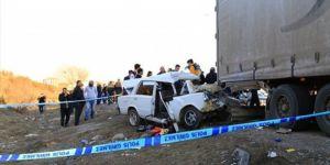 Trafik kazası: 1 ölü, 2 ağır yaralı