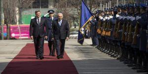 Başbakan, Bosna Hersek'te resmi törenle karşılandı