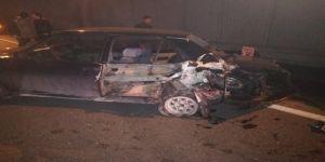 Makas atan otomobil trafiği birbirine kattı: 4 yaralı