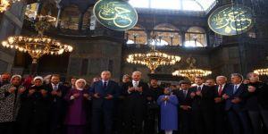Ayasofya'nın kubbelerinde Kuran Tilaveti yankılandı