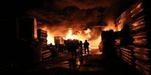 İzolasyon fabrikasında yangın