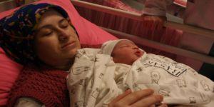 Anne ve bebeği birbirine kavuştu