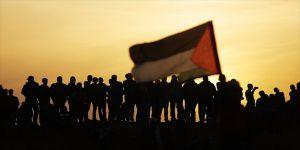 İsrail, 15 Filistinli çocuğu şehit etti
