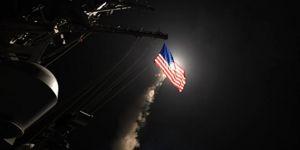 ABD savaş gemisi Suriye'ye yöneldi, Rus jetleri anında havalandı