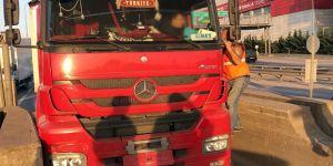 Bonzai kullandığı iddia edilen tır sürücüsü direksiyonda sızdı