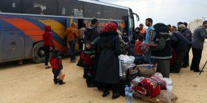 3 bin 500 Suriyeli, Azez'deki yeni kamplara getirildi