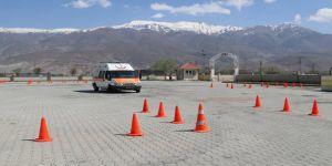 Ambulans sürüş teknikleri eğitimi verildi