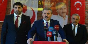 Destici: Türkiye herkesin hakkını savunuyor