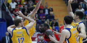 CSKA zorlansa da kazanmayı bildi