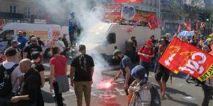 Genel grev çağrısı sonrası binlerce kişi sokağa indi
