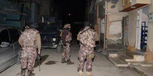 Silah kaçakçılarına şafak baskını