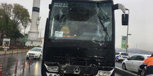 Öğrencileri taşıyan gezi otobüsü kaza yaptı