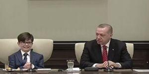 Cumhurbaşkanı Erdoğan koltuğunu devretti!