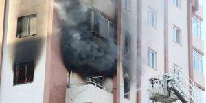 Korkutan yangın: 1'i ağır 4 yaralı