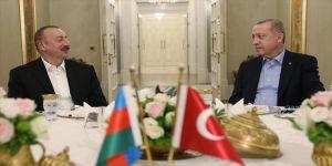Erdoğan, Aliyev onuruna yemek verdi