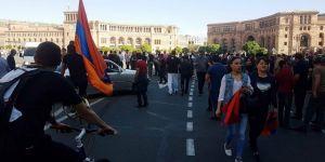 Ermenistan'da sular durulmuyor