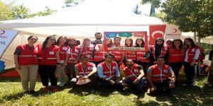 Üniversite öğrencileri ve akademisyenler kan bağışında bulundu
