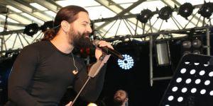 Koray Avcı, Çayırova'da konser verdi