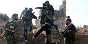 Afrin merkezine ÖSO bayrağı dikildi