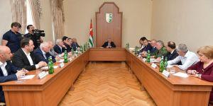 Abhazya cumhurbaşkanı yeni bakanları atadı