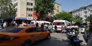 Gebze'de sokak ortasında silahlı kavga