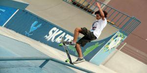 Adrenalin tutkunları skate parkta buluşuyor