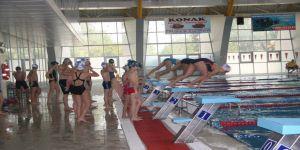 24 saat aralıksız yüzecekler