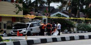 Endonezya'da terör: 4 ölü