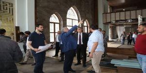 Asri Mezarlık'ta yenileme çalışmaları sürüyor