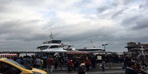 Beşiktaş'ta tekne iskeleye çarptı: 3 yaralı