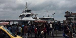 Tekne iskeleye çarptı: 3 yaralı