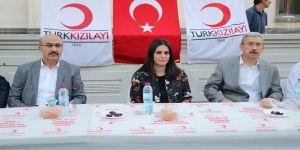 Bakan Sarıeroğlu, vatandaşlarla iftar sofrasında buluştu