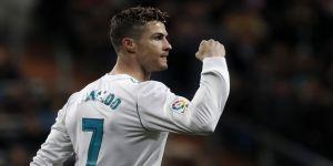 Ronaldo, Neymar ve Messi'ye fark attı