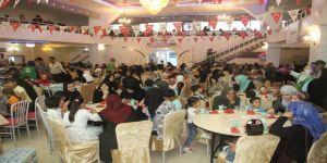 Suriyeli yetim çocuklara iftar verildi