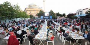 Gebze'de iftar sofrası Adem Yavuz Mahallesi'nde kuruldu