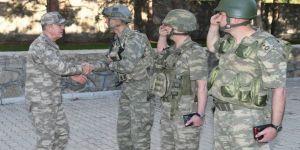 Orgeneral Akar, birlikleri denetledi
