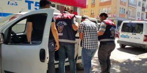 FETÖ'cü eski polis dolandırıcılık yaparken yakalandı