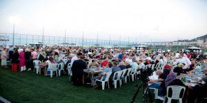 AK Parti ailesi 'vefa' iftarında buluştu