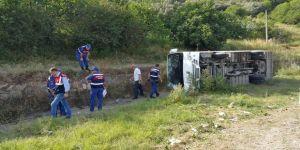 İşçi servisi şarampole yuvarlandı: 9 yaralı