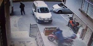 Kasklı hırsızlar 20 bin liralık motosikleti çaldı