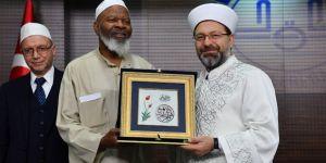 Erbaş, ABD'li Müslüman heyeti kabul etti