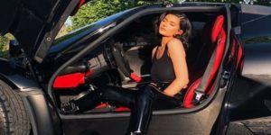 Kylie Jenner'dan Lamborghini ile paylaşım