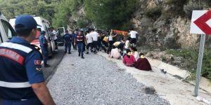 Midibüsün freni patladı: 20 yaralı