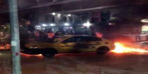 Damlayan benzin ticari taksiyi yaktı