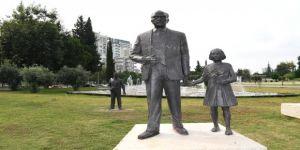 Atatürk büstüne çirkin saldırı!