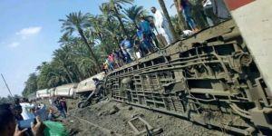 Tren devrildi: En az 34 yaralı