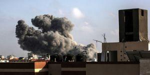 İsrail, Gazze şehir merkezini bombaladı