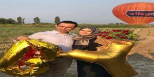 Balon turunun ardından sürpriz evlilik teklifi